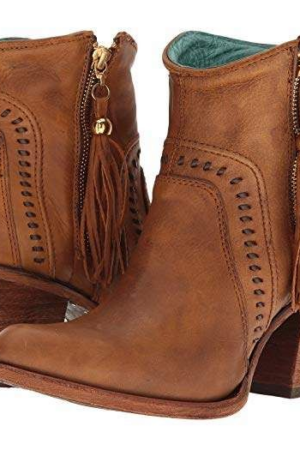 Dingo Women's Wrigley Tan Booties